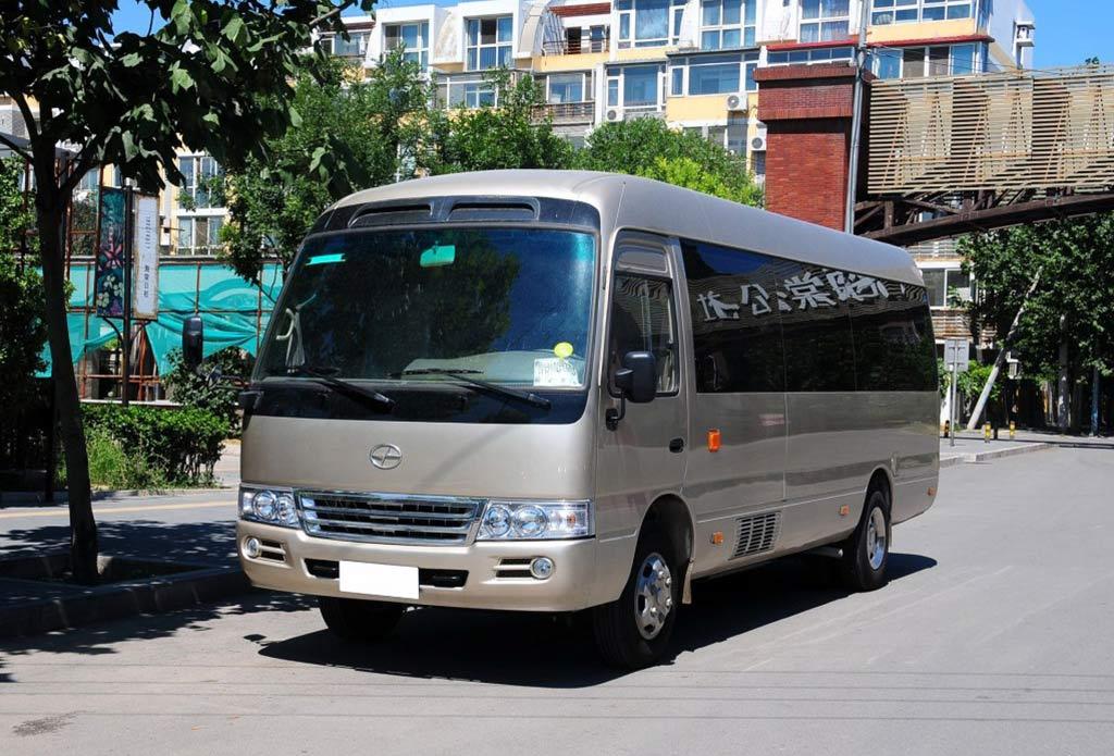 云南腾冲包车租车游、跟团游16座考斯特